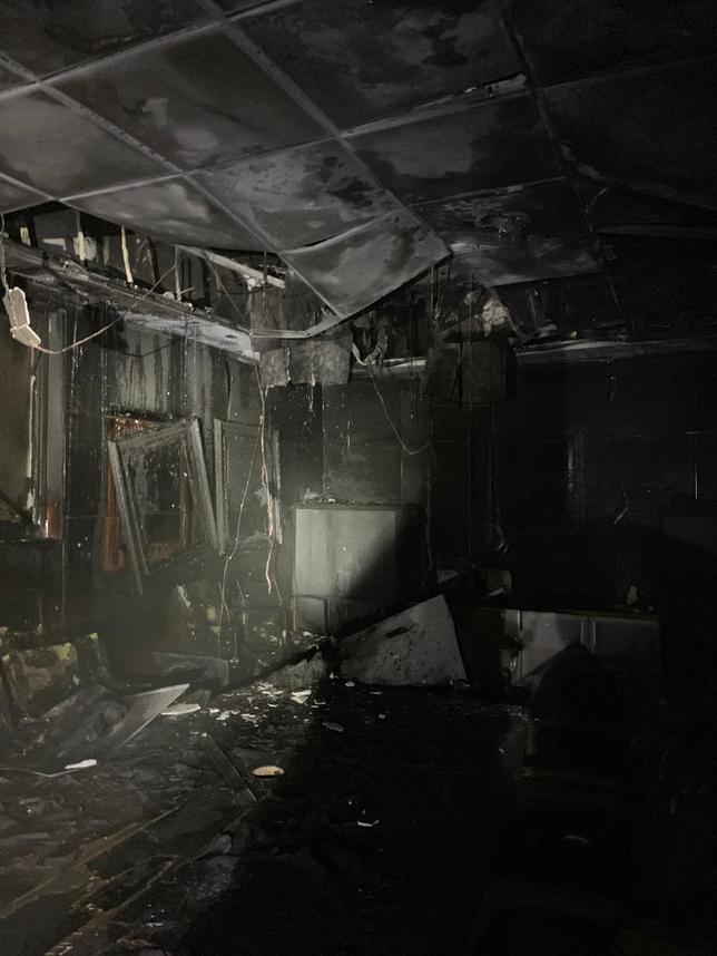 Los bomberos actúan en un incendio en Arcos