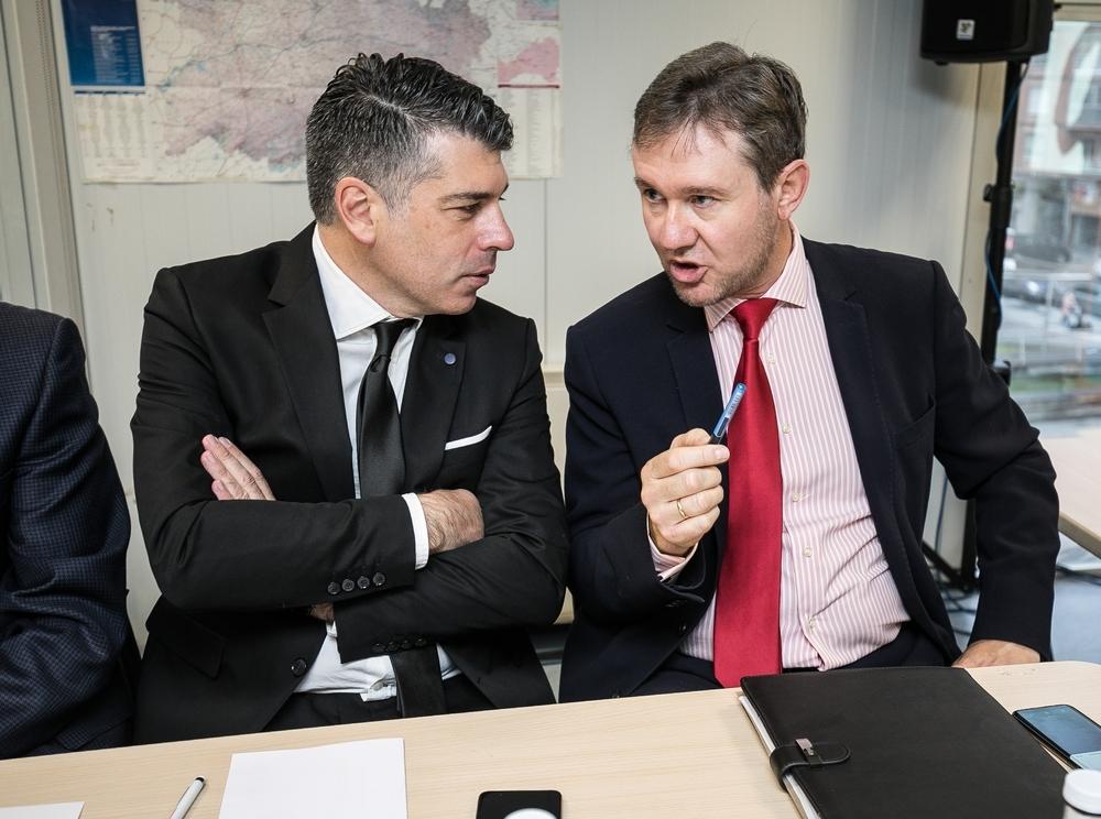 Reunión del Consejo social en el centro cívico de Capiscol. Vicente Marañón y Javier Lacalle.