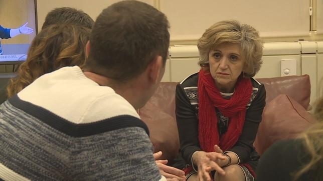 Los padres de Izan se reúnen con al ministra de Sanidad