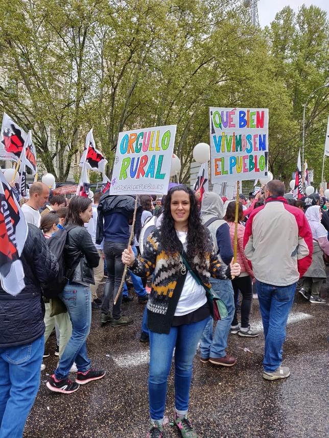 Leticia Núñez, alumna del campus de la UVa en Segovia, que trabaja sobre despoblación, durante la manifestación D.S.