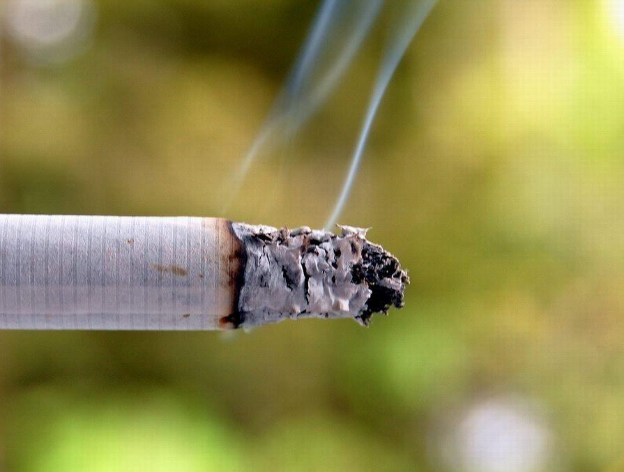 El número de fumadores ha aumentado un 3,3% en España entre 2017 y 2019.