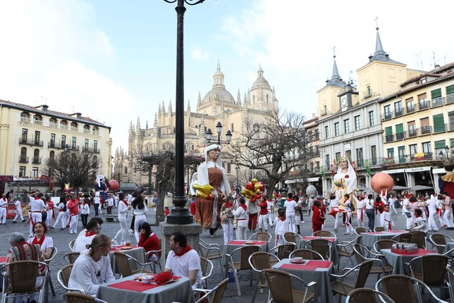 Los chinos 'celebran' San Fermín en la Plaza Mayor