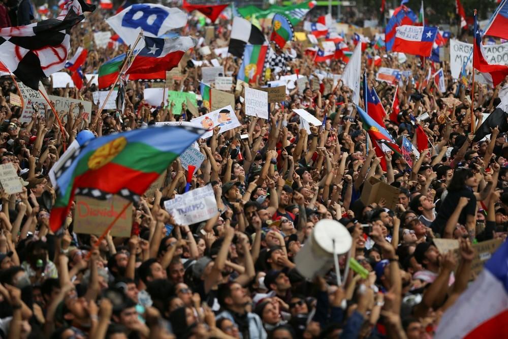 Chile aviva su lucha con la marcha más grande de su democrac