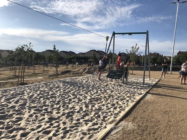 Palazuelos amplía la oferta infantil en el parque de La Mina