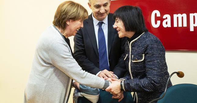 "Carmen Alario toma posesión como decana de Educación Á""scar Navarro"
