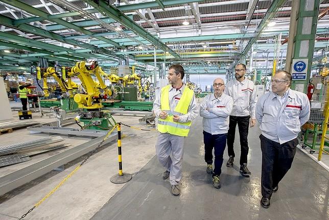 Nissan aumenta producción y contrata 20 trabajadores  David Castro