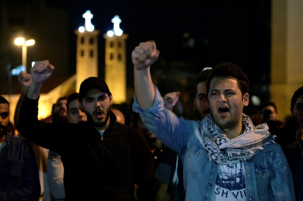 Los libaneses piden la caída del régimen