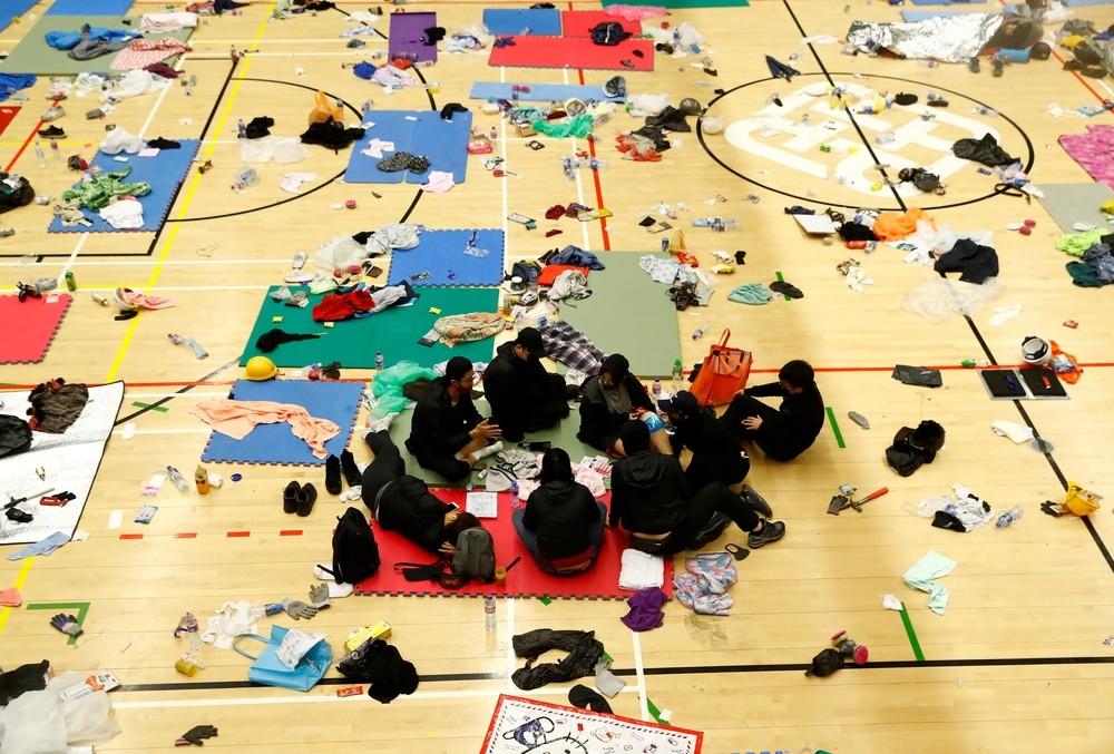 Los civiles siguen amotinados en la Universidad de Hong Kong