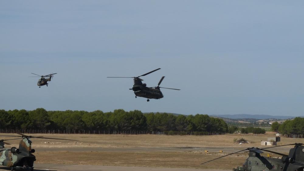 Osprey de los marines americanos se entrenan en el BHELA-I