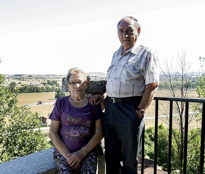 María Blanca y José María, los vecinos mayores.