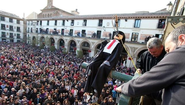 El Volatín espera al Sábado Santo para que prenda su mecha