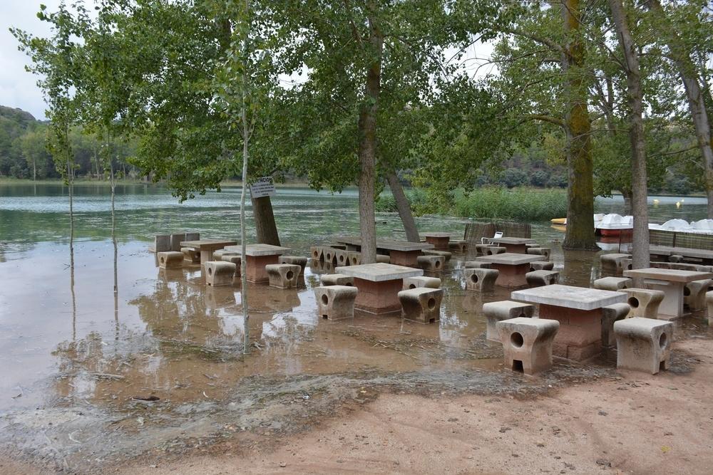 Las Lagunas de Ruidera rebosan de agua tras una tormenta