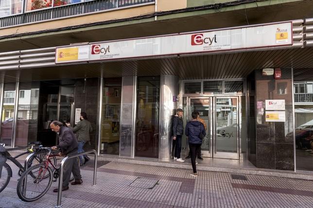 El paro cae en mayo en Ávila en 363 personas