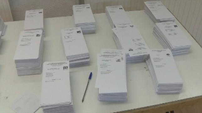 Diez candidaturas luchan por los cinco diputados por Navarra