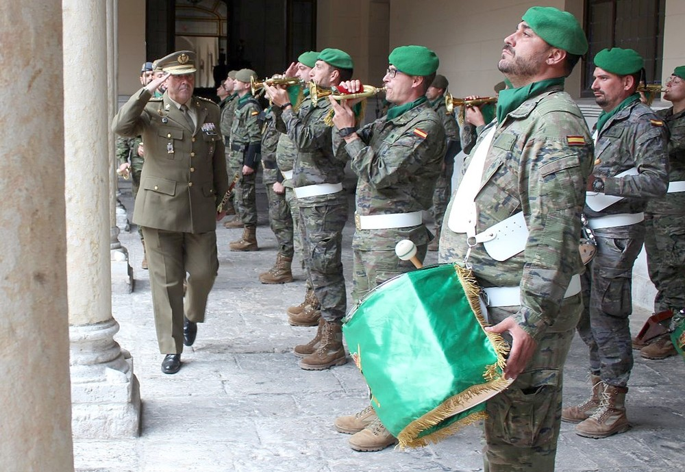 El Ejército reconoce en Valladolid la labor de los cronistas