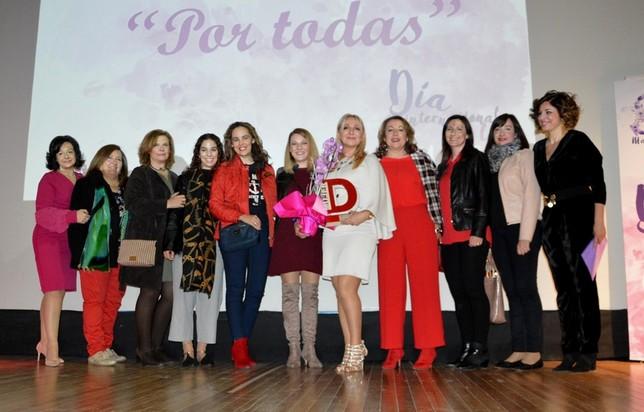 María Dolores García Muñoz recibe el Premio Mujer 2019