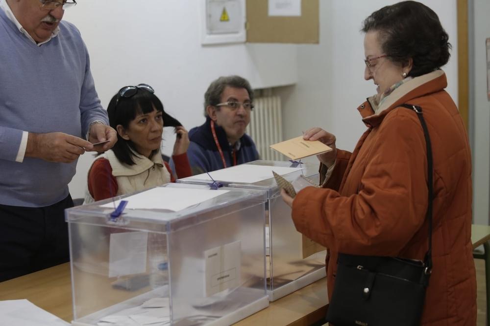 Constituidas con total normalidad las mesas electorales