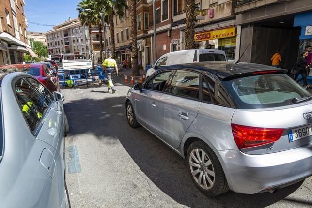 Una rotura obliga a cortar al tráfico la calle Alfonso X Rueda Villaverde