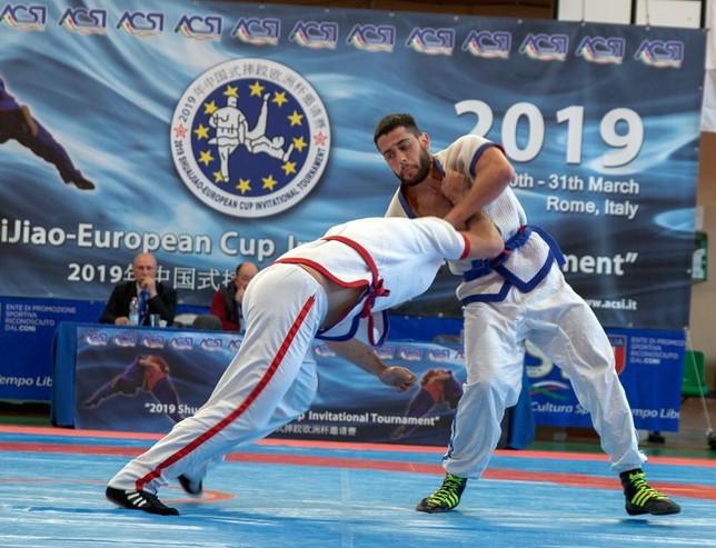 Diego Sempere loga la plata en el Europeo de Shuai Jiao