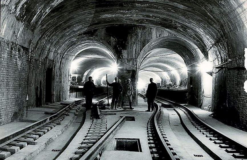 100 años bajo tierra