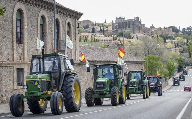 Los tractores entrando a Toledo. Yolanda Lancha
