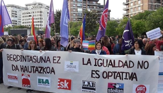 Concentración en apoyo a los citados a declarar por Skolae Europa Press