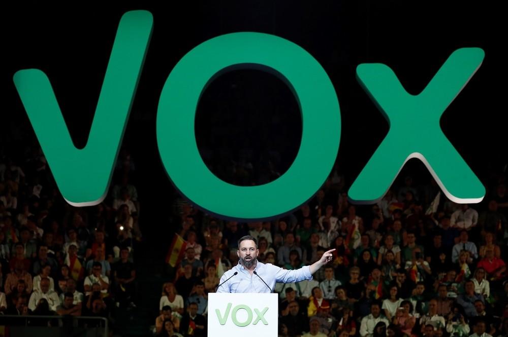 Vox llena Vistalegre y ataca al PSOE de cara al 10-N