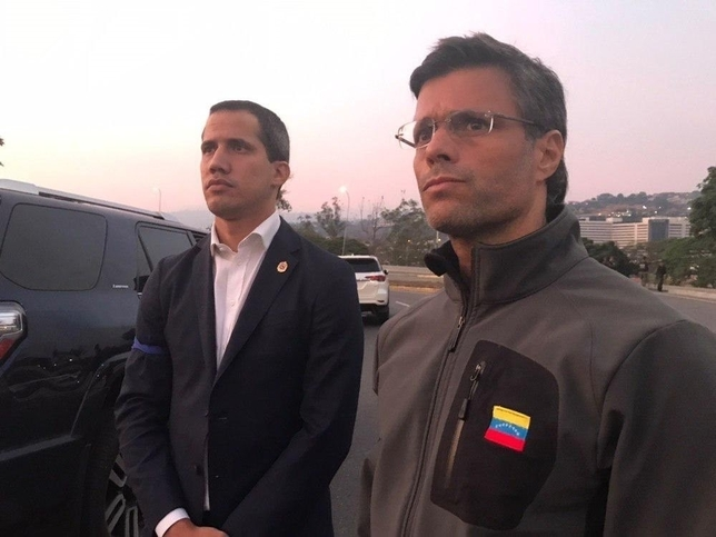 Guaidó convoca al ejército tras liberar a Leopoldo López TWITTER/@LEOPOLDOLOPEZ