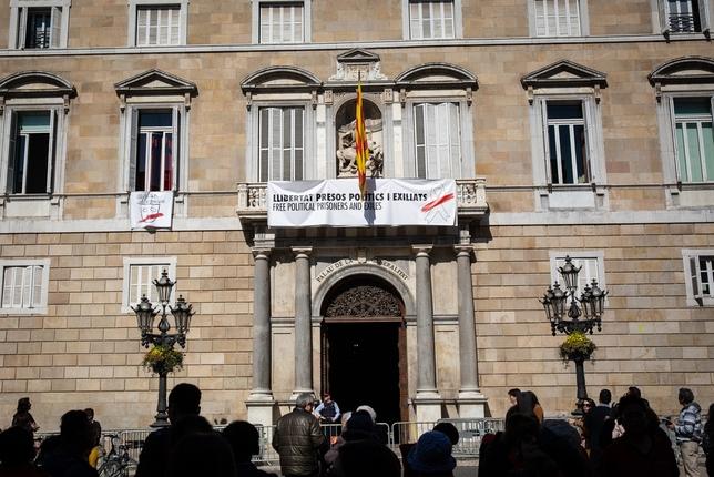La Junta manda a Torra al fiscal y ordena quitar los lazos David Zorrakino - Europa Press
