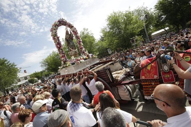 Miles de personas participan en la romería de Alarcos