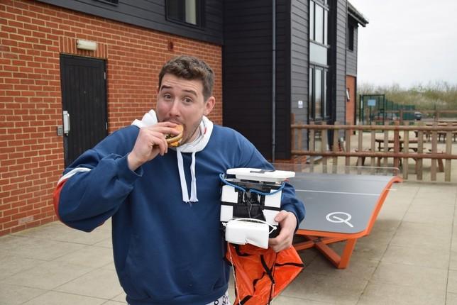 La hamburguesa 'espacial' que aterrizó en Florence Park