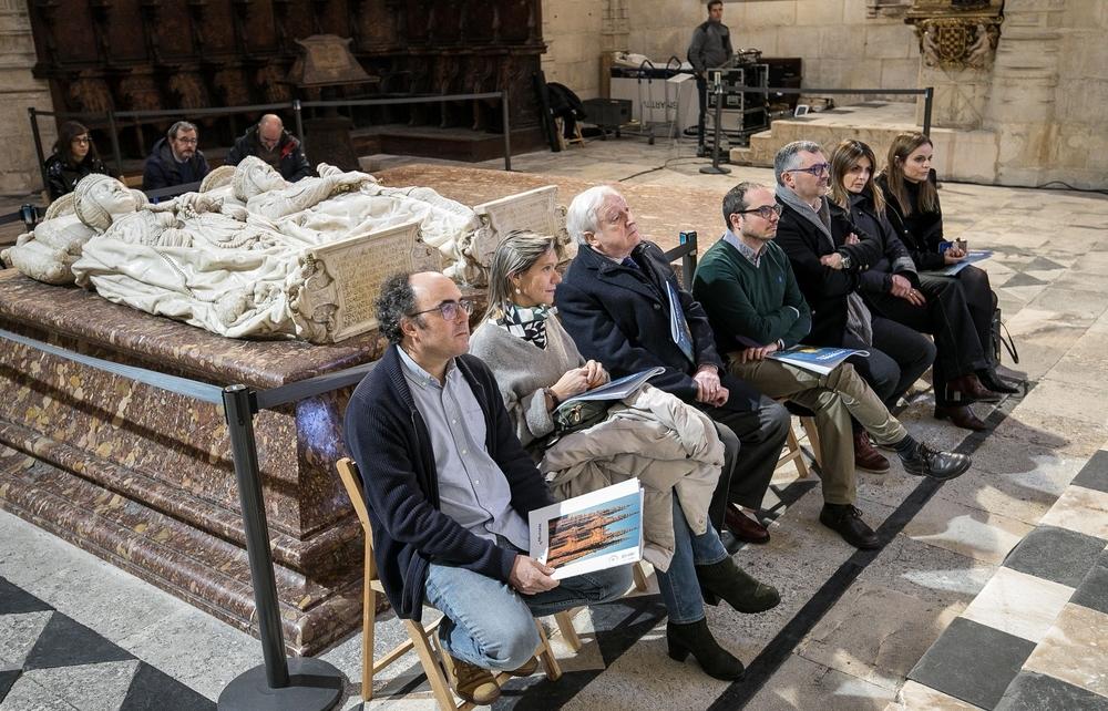 Presentación del coleccionable en cromos sobre la Catedral de Burgos en la Capilla de los Condestables.