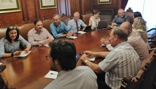 Maya se reúne por primera vez con la Junta del Ayuntamiento