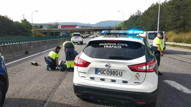 Un motorista herido grave en un choque en la A-15, en Noáin Guardia Civil
