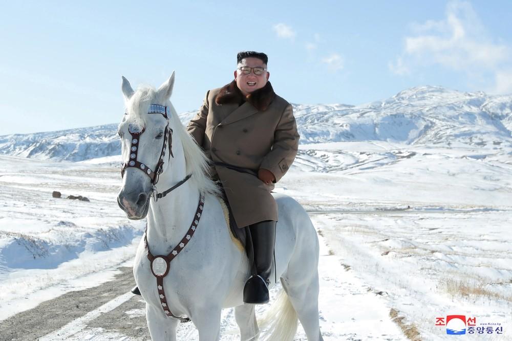 La 'épica' cabalgada de Kim Jong-un por el monte Paektu