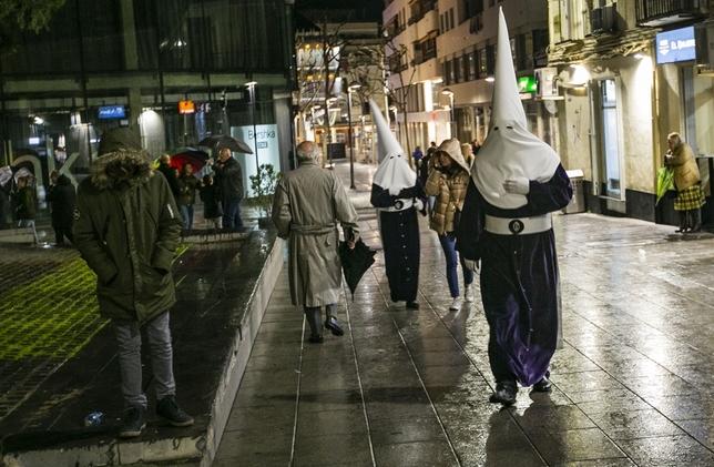 La noche le niega el paso al Nazareno Rueda Villaverde