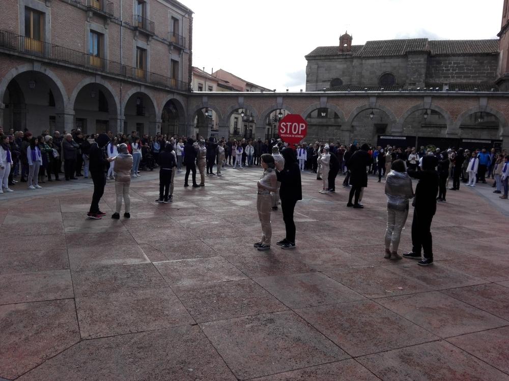 Ávila muestra su repulsa a la violencia de género