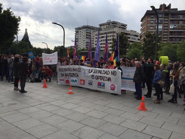 Concentración en apoyo a los citados a declarar por Skolae