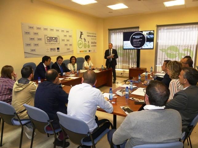 Luz Moya promoverá la búsqueda activa de empresas