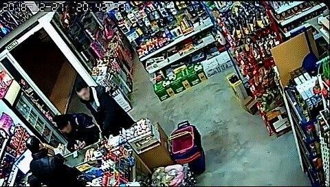 Pillan a dos autores de robos con fuerza en la Zona Media