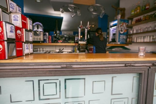 Perpetran otro robo en un bar de la capital