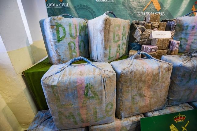 La Guardia Civil incauta 500 kilos de hachís en la A-4