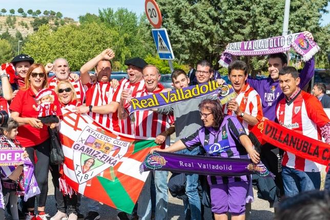El Real Valladolid gana y se aferra a la permanencia