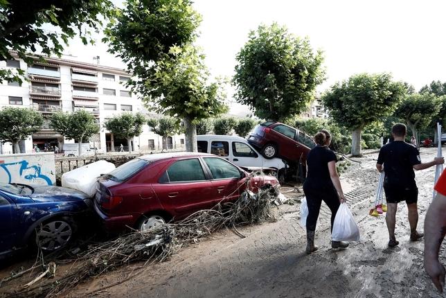 Vecinos y comerciantes piden ayuda para limpiar las calles