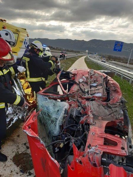 Un conductor en sentido contario provoca un siniestro mortal