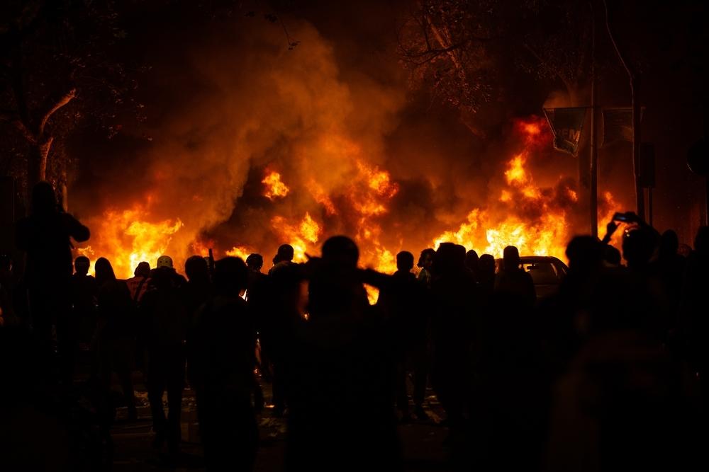 Los CDR queman varios coches en el centro de Barcelona