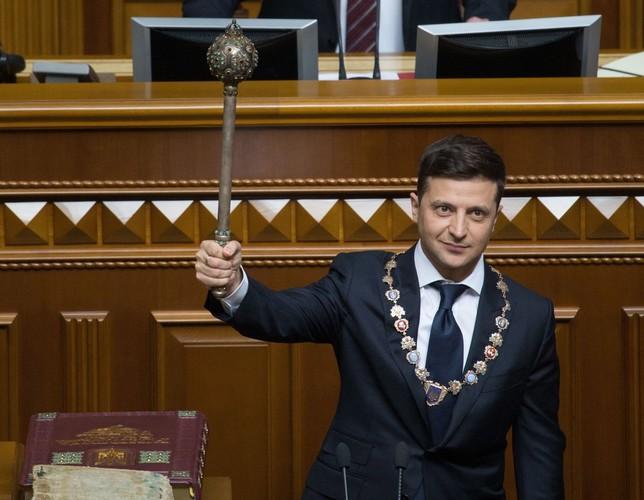 Zelenski jura el cargo de presidente y convoca elecciones MYKHAILO MARKIV/ PPS