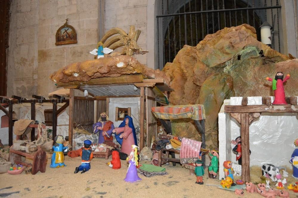 Más de 300 figuras forman el belén de plastilina de Cigales