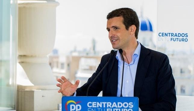 Pablo Casado critica la actitud del PSN en el Parlamento