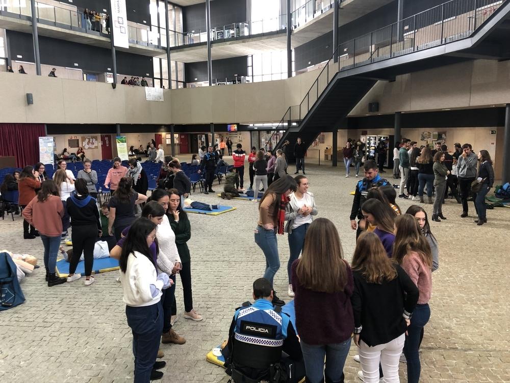 Los escolares aprenden cómo hacer frente a un accidente